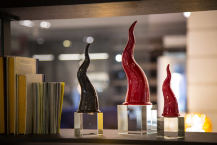 Sharon Italia - Porcellana Decorata a mano - Corni Portafortuna